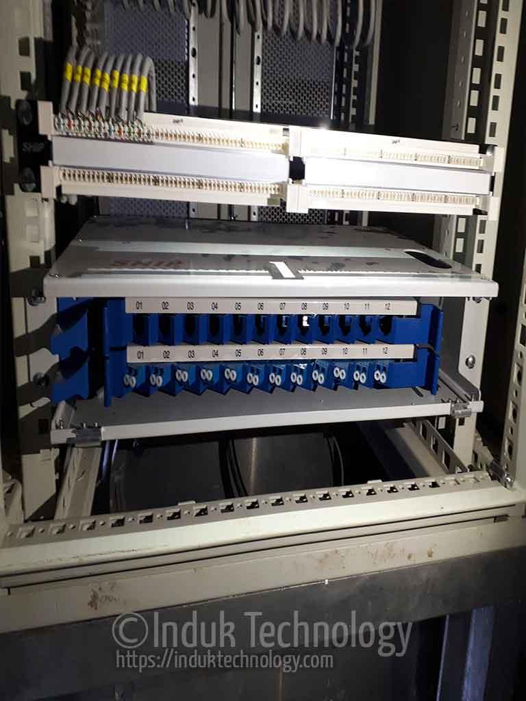 Instalasi Base Tray Fiber Optic